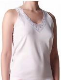 Γυναικεία βαμβακερά πενιέ φανελάκια με φαρδιά τιράντα και μοτίφ δαντέλα στο ντεκολτέ